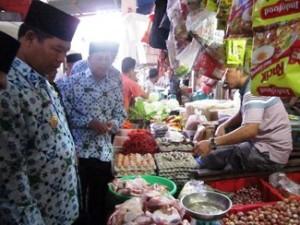 Wakil-Bupati-KKA-Abdul-Haris-SH-Sidak-Pasar-Jelang-Ramadhan